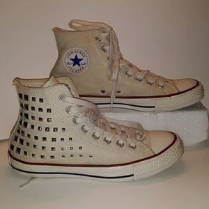 Bedazzled Converse All Star womans 9